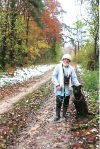 Nyx adore les promenades. Lorsqu'il fait beau, il fait 5 à 6 km matin et soir avec sa maîtresse.